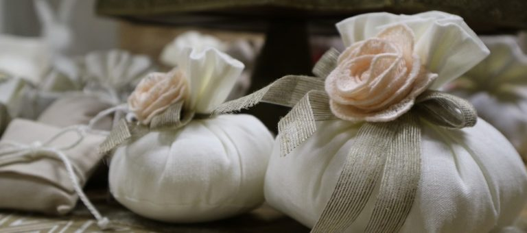 On Stage Slideshow Homepage - Bomboniere Wedding